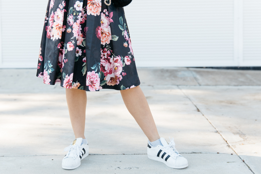 Midi skirt with sneakers.
