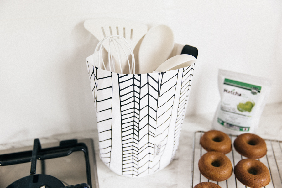 Kitchen Temple washable paper bag. How to store cooking utensils.