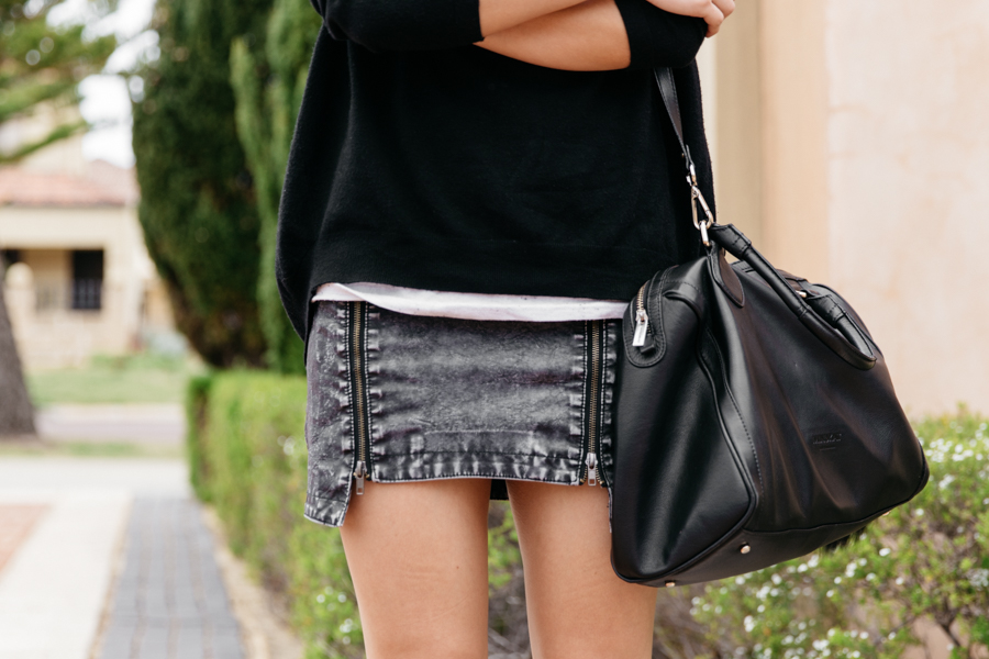 Faux leather skirt. Great leather skirt.