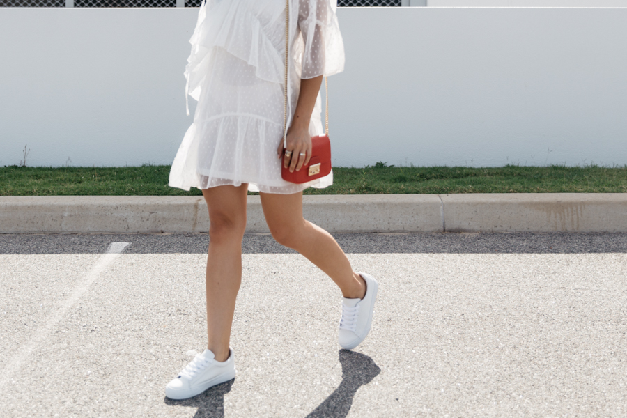 Australian fashion blogger. White lace summer dress outfit.