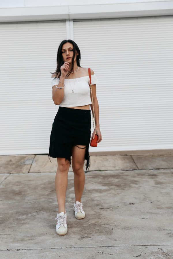 Perth fashion blogger. Black denim skirt outfit.