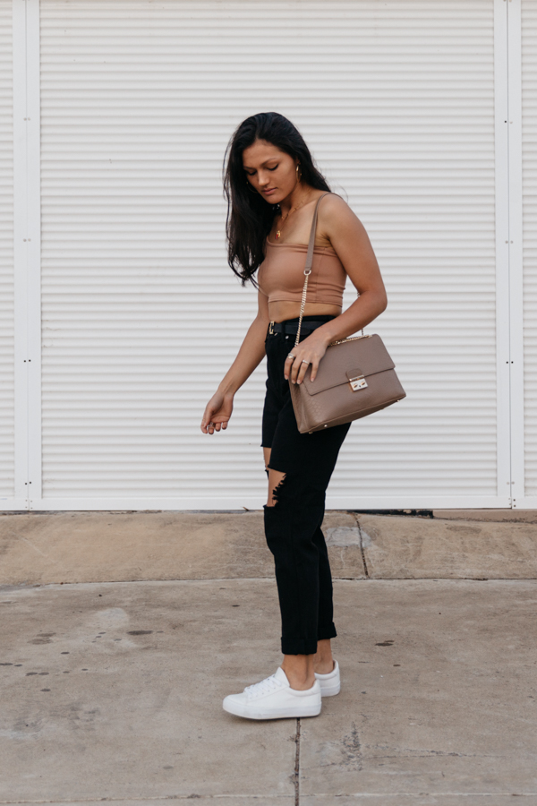 Luxe street style. Beige outfit.