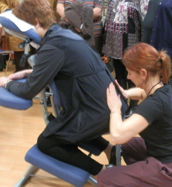 Amma-assis shantazen Douai arras lens arras massage shiatsu sur chaise bien-être dénoue les tensions musculaires shantazen