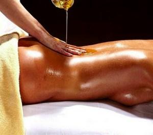 massage ayurvedique relie le corps et l'esprit dénoue les tension équilibre énergétique meilleure circulation sanguine et lymphatique sérénité bien-être massage douai massage arras massage lens massage cambrai