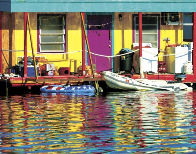 Key-West-Houseboat-656x515