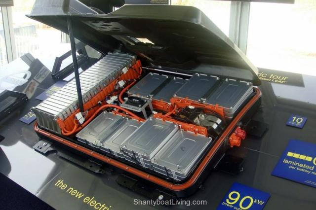 Tesla Motors Announces A New Home Battery; Living Off The Grid Will Soon Be Status Quo.clipular