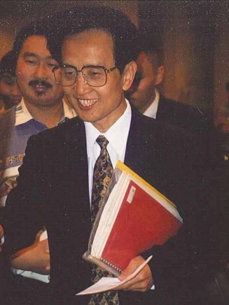 Dr Yan Xin