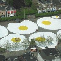 henk hofstra: art-eggcident.