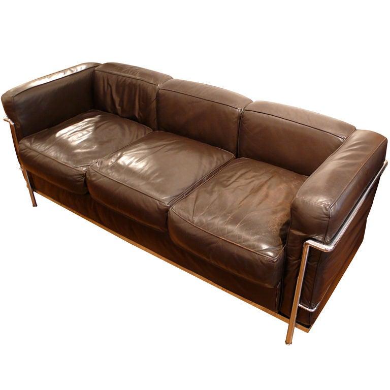Vintage Le Corbusier Sofa In Dark Brown Leather At 1stdibs