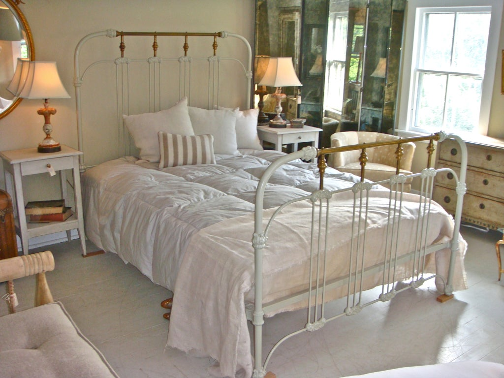Antique Queen Size Iron Bed At 1stdibs