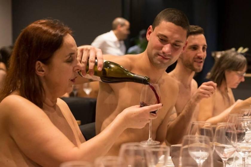 naked restaurant 2