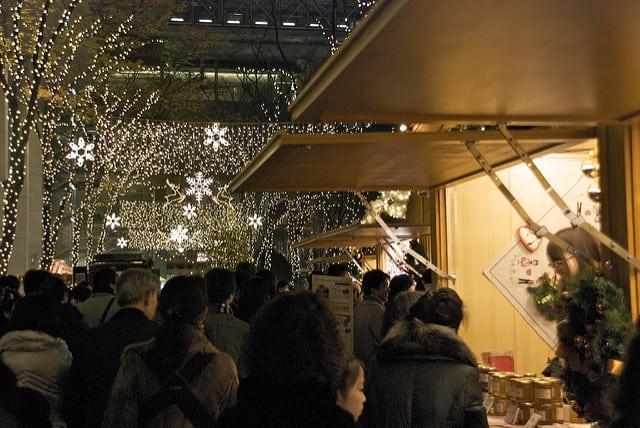 法國史特拉斯堡的聖誕市集,起源於 1570 年代,可以說是整個歐洲最古老的聖誕市集之一。