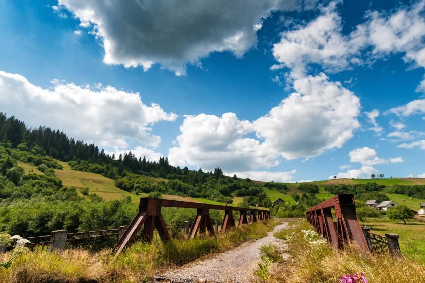 beautiful-bridge-carpathian-mountains-461753