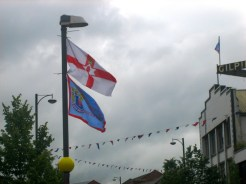 Historic flag of Northern Ireland (Ulster banner) and of Ulster Defence Association (UDA), Sandy Row, Belfast, Northern Ireland. (c) Gordon GILLESPIE