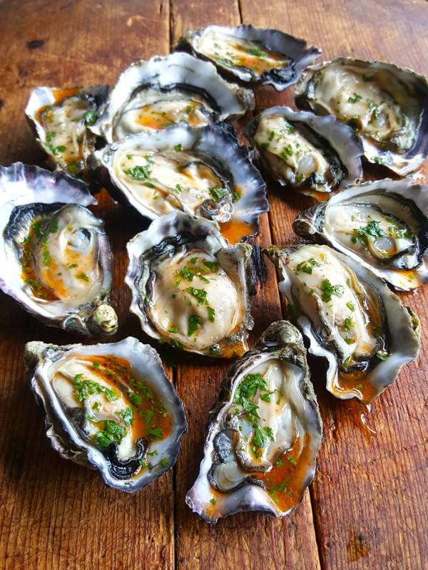 Oysters with sriracha 1