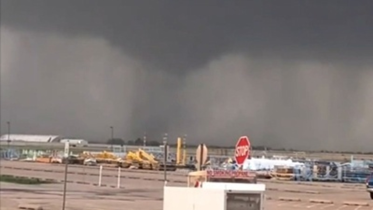 Seven Injured As Tornado Strikes Near Tulsa