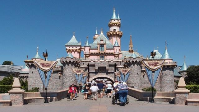 Disneyland%20castle_1510087017404.jpg_10956346_ver1.0_1280_720 Disneyland tower likely caused Legionnaires' outbreak, official says