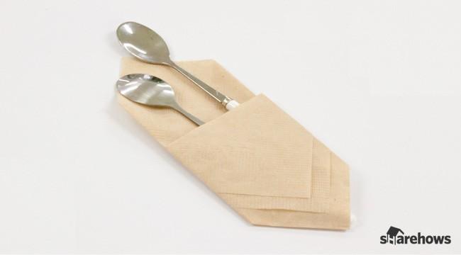 초간단! 냅킨으로 수저집 접는 법