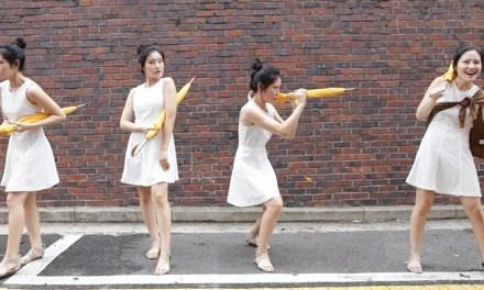 우산 매너있게 드는 방법