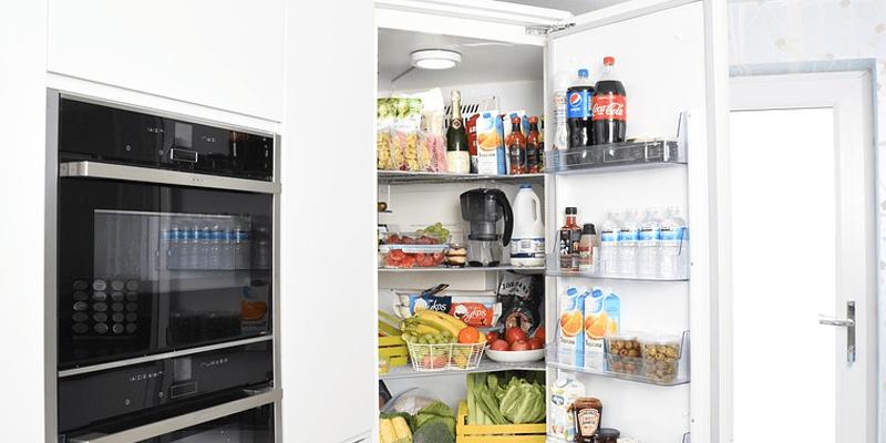 냉장고에 있던 음식들 상했는지 알아보는 방법
