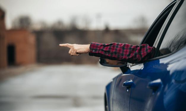 차의 진입 방향을 알려주는 방향지시등의 역사는?