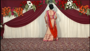 bride-beautiful-dance-at-her-own-wedding