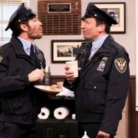 Джейк Джилленхол сыграл офицера в шоу Джимми Фэллона