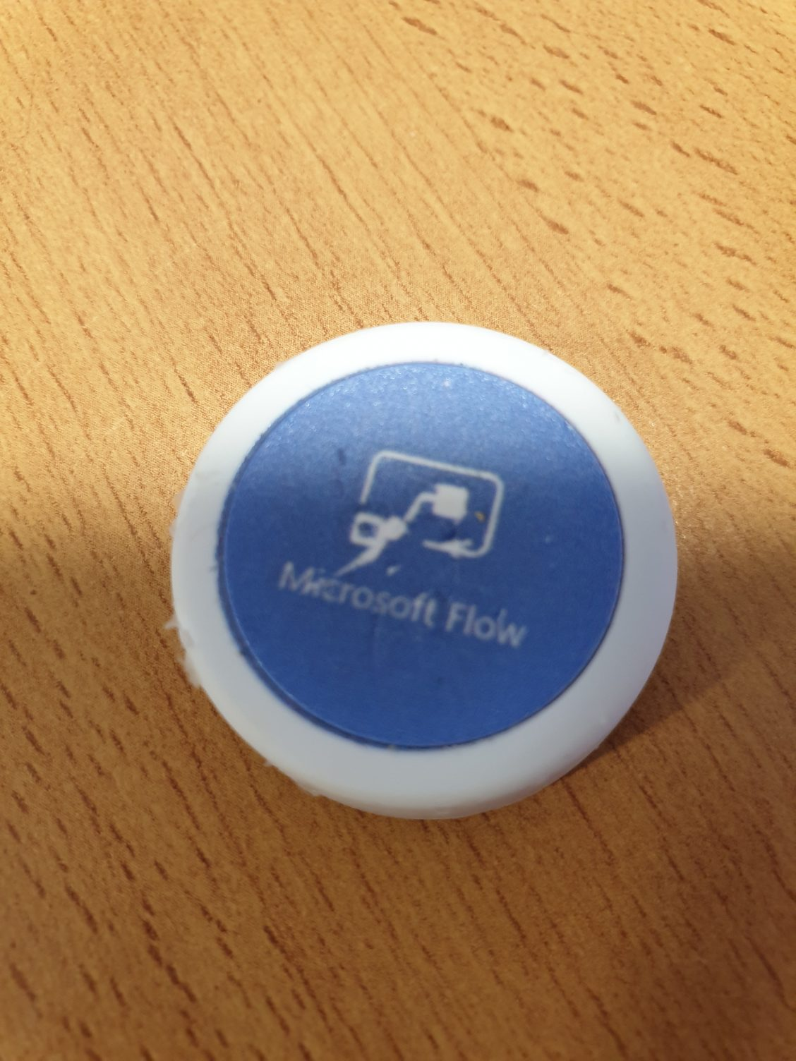 Flic Button with Flow logo