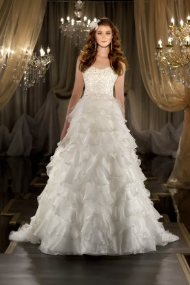 A timeless princess-style gown by Martina Liana