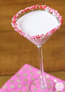 Photo: Inspired by Charm http://www.inspiredbycharm.com/2014/02/drinks-and-links-sweetie-martini.html