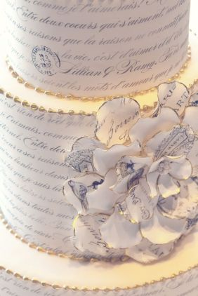 The couple's vows in French - photo: Renaissance Studios
