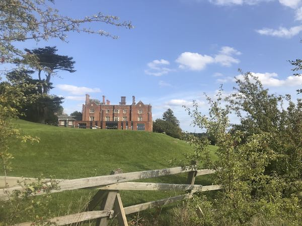 Arrive at Latimer house and the Chalforn & Latimer to Ley Hill walk is almost over