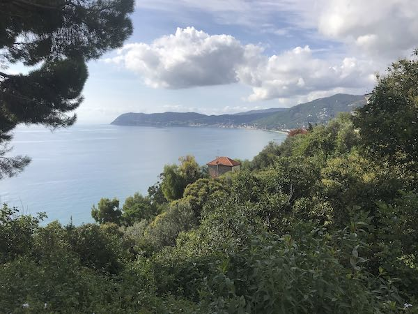 First view from Alassio to Albenga walk