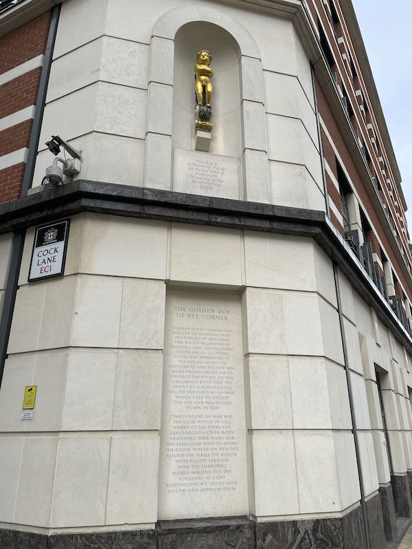 While much of medieval London was destroyed by the great fire of 1666 nothing a Dickensian walk near St Paul's