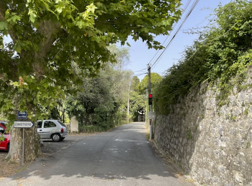 The quiet road out of La Colle on the La Colle to Tourette walk