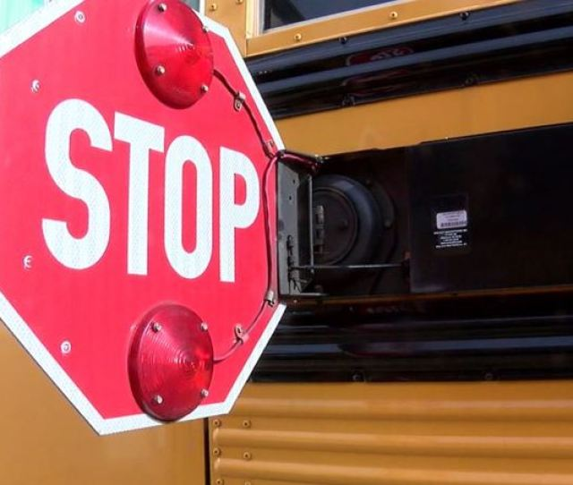 Sheriffs Office Asks Florida Students To Stop Lying In The Road At Bus Stops