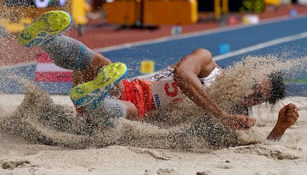 Pengertian Lompat Jauh atletik internasional