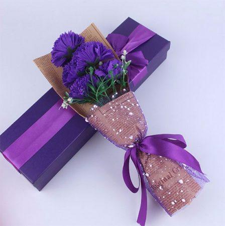 Bunga dalam kotak plastic