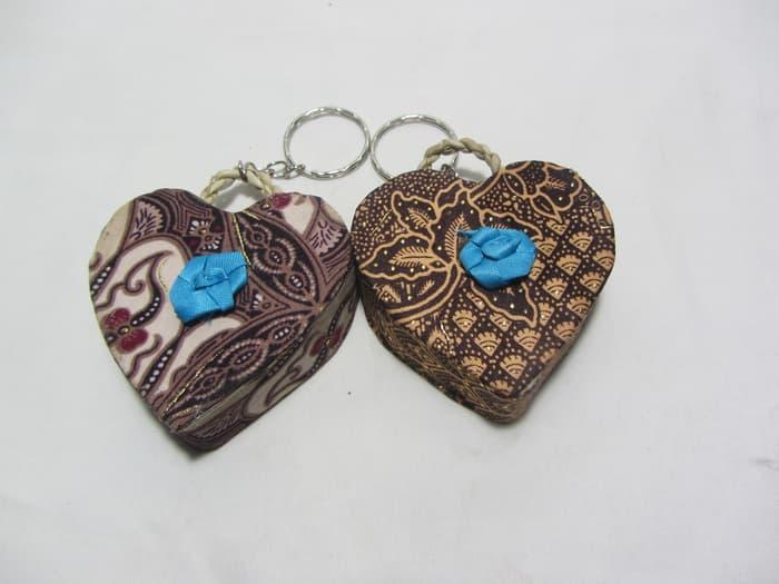 Souvenir Pernikahan Ganci love batik
