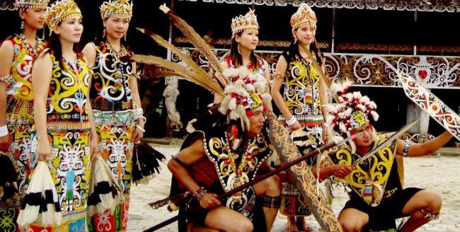 Nama Pakaian Adat Kalimantan Timur