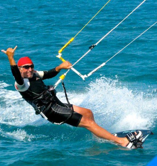 Uwe kite surfing.