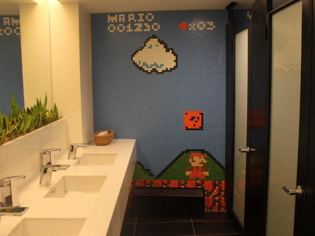 stack-exchange-has-a-super-mario-themed-bathroom