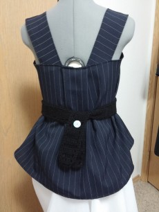 Back view: With a black crochet belt