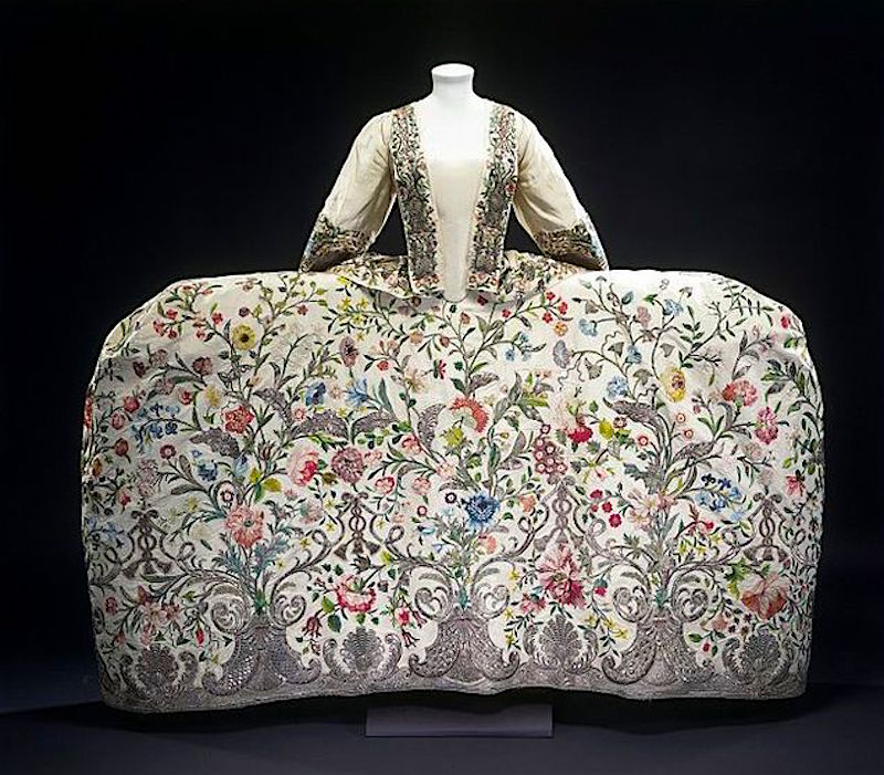 Chinoiserie Panier dress, 1740-1745