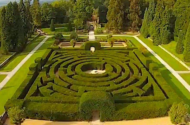Chatsworth maze