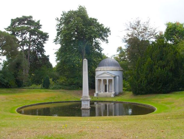 Ionic Temple & Obelisk Chiswick House1730