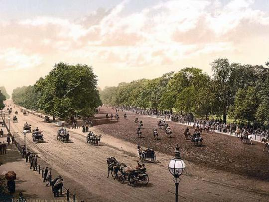 """Rotten Row"" in Hyde Park, London"