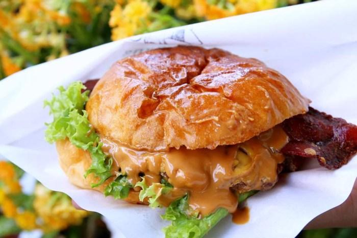 漢堡林 精明商圈道地美式漢堡就這家!有搶眼歌舞伎招牌 手工漢堡好啾西 內用區很舒服