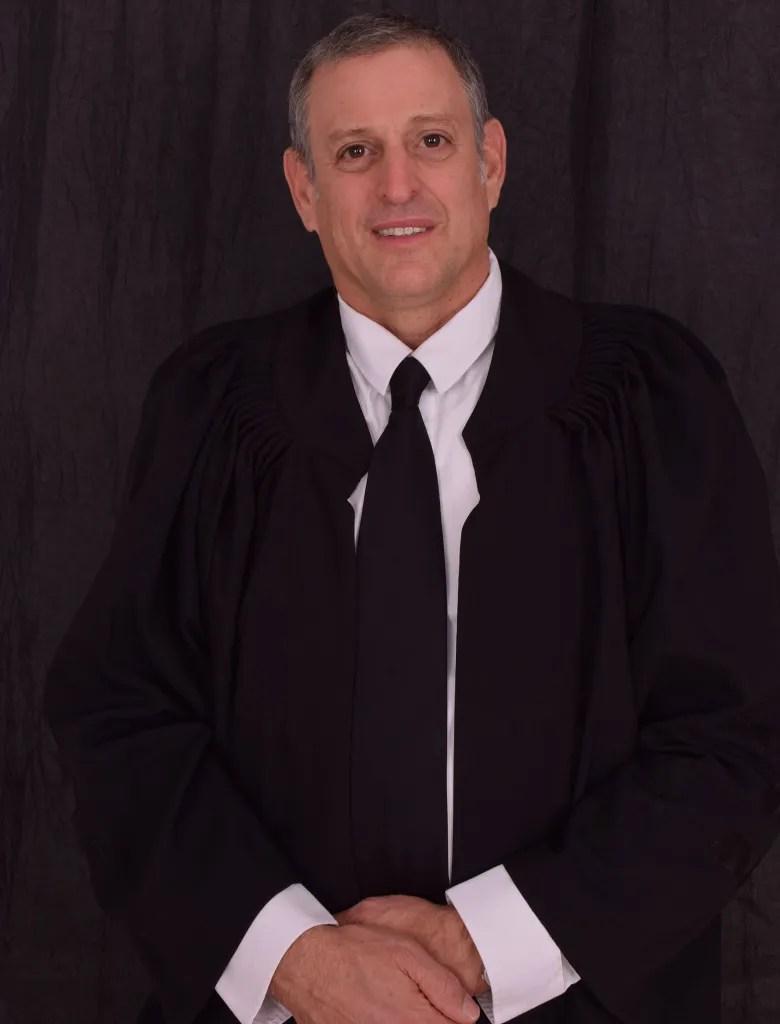 עורך דין ונוטריון רונן צ'יניאו