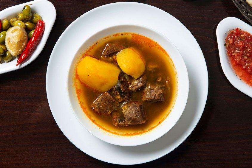 צארום הרצליה - מרק בשר תימני
